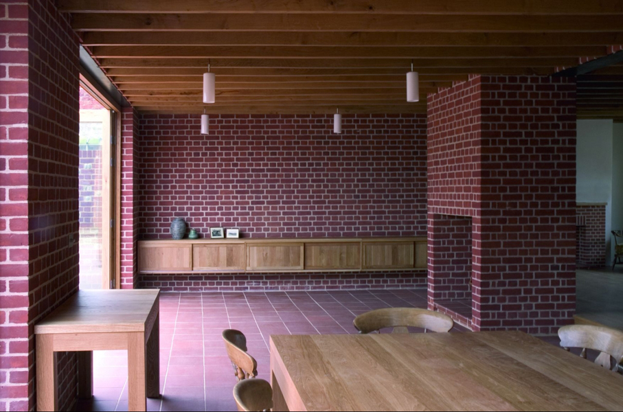 Проект: Poplar Cottage / Архитектор: Dow Jones Architects / Кирпич: Wm C Reade of Aldeburgh Medium Red